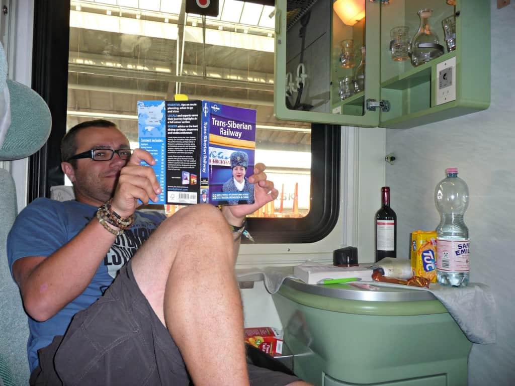 globalhelpswap 5 tips on long distance train travel equipment