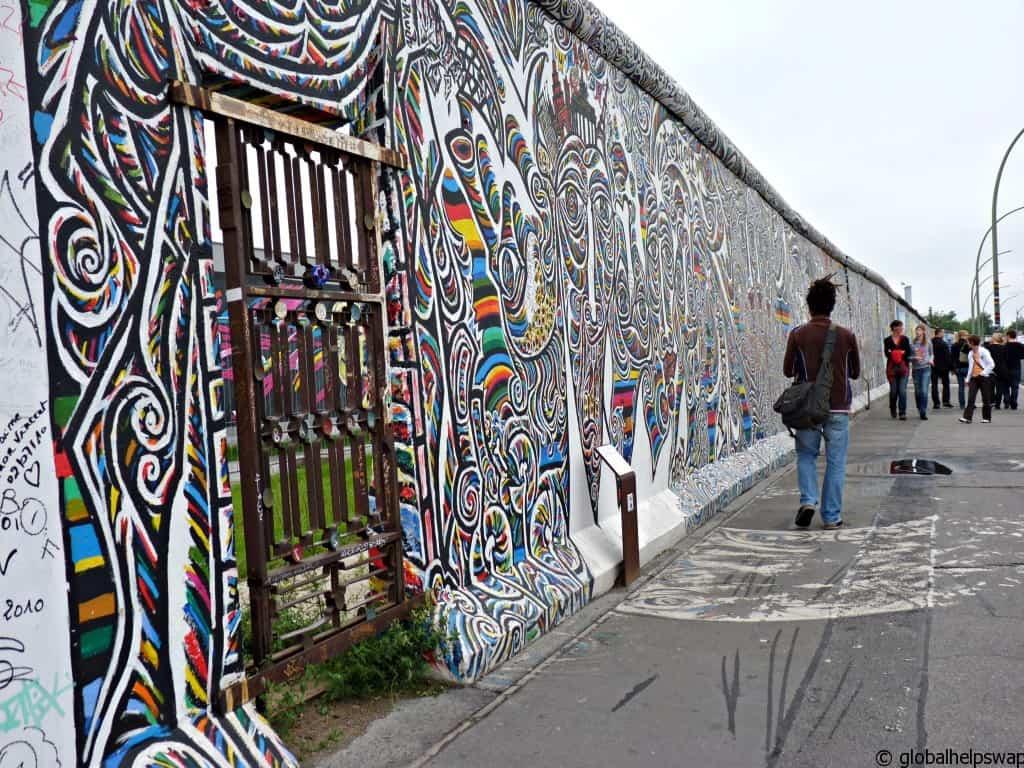 Photos of Berlin Murals on the Berlin Wall