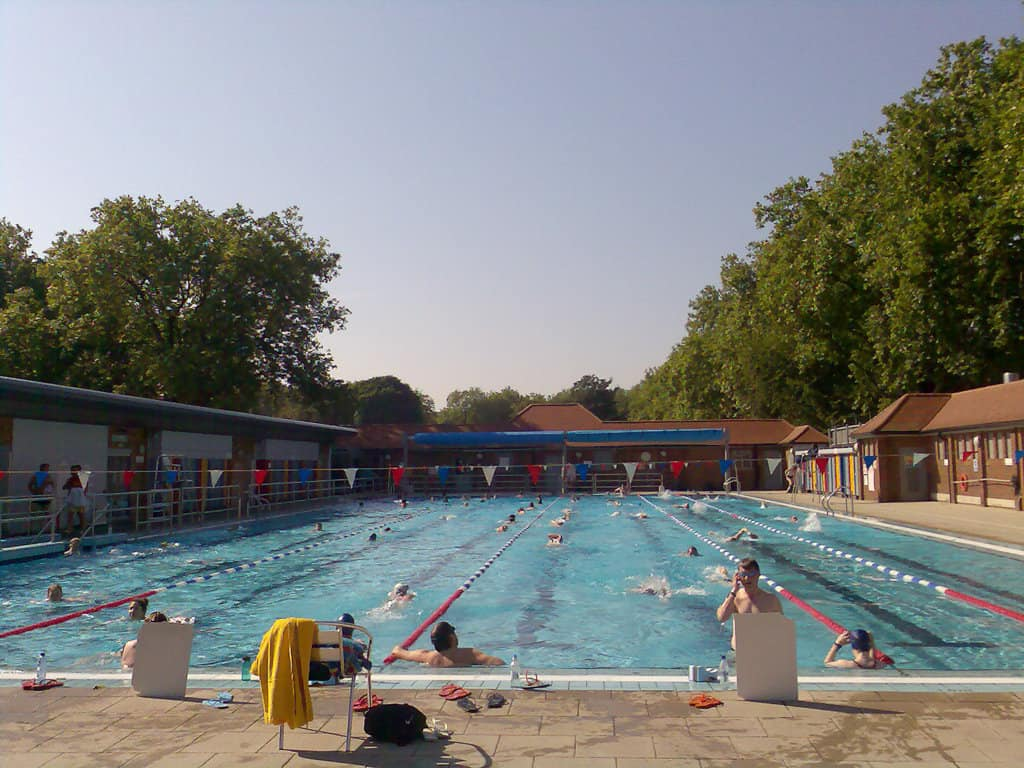 London Fields Lido - The Best Lidos & Outdoor Swimming In London