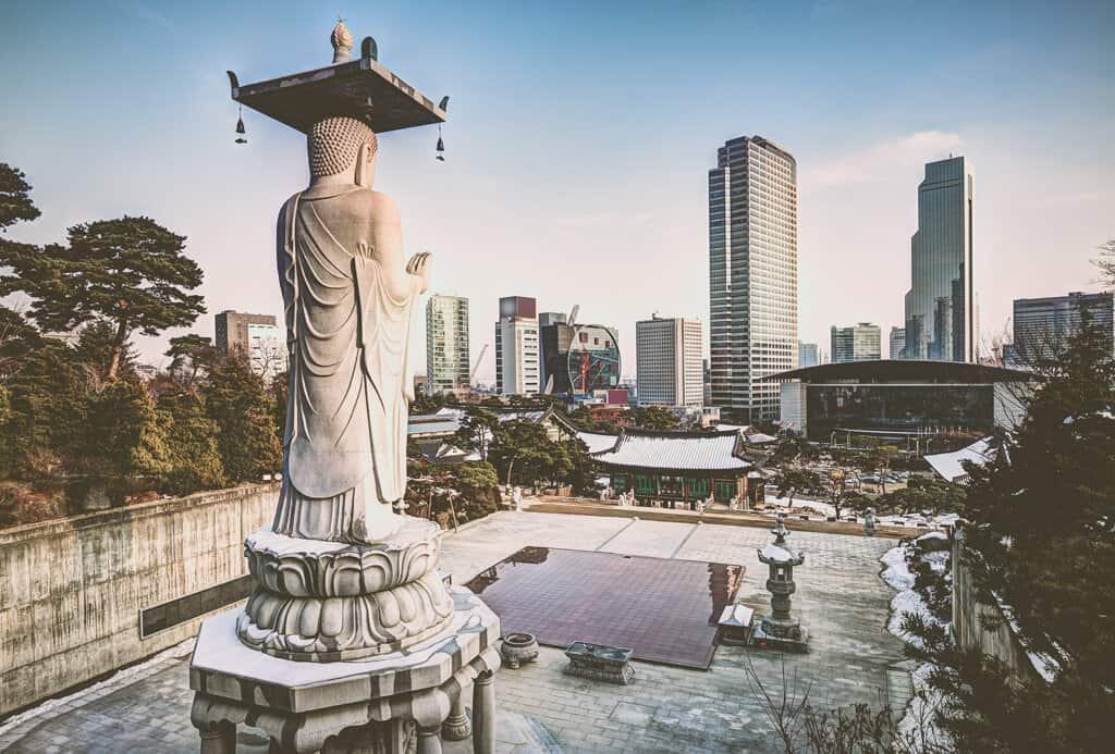 Visit the Bongeunsa Temple